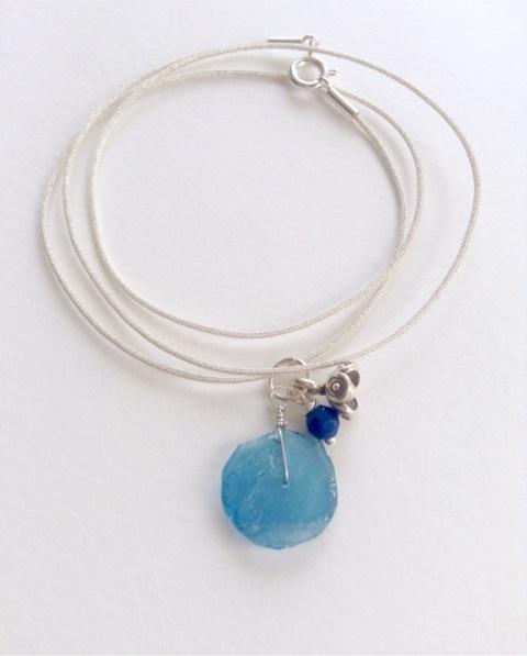 青ローマングラスのネックレス4